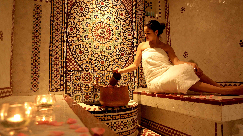 passer l apr s midi dans un hammam salon de massages. Black Bedroom Furniture Sets. Home Design Ideas